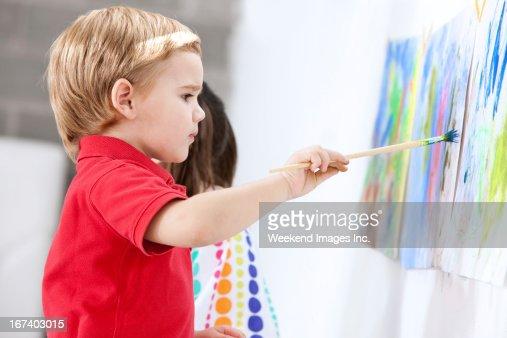 Painting toddler : Stockfoto