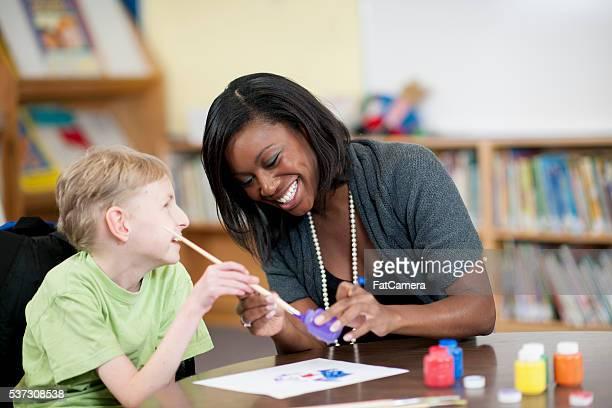 Dipingiamo insieme in classe