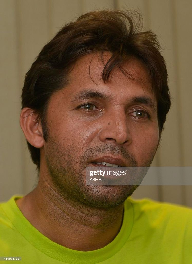 Pakistan paceman <b>Mohammad Asif</b> speaks with media after the ICC ... - pakistan-paceman-mohammad-asif-speaks-with-media-after-the-icc-lifted-picture-id484578756