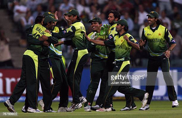 Pakistan players celebrate the wicket of Mahela Jayawardena of Sri Lanka at The Wanderers Cricket Ground during The ICC World Twenty20 Championship...