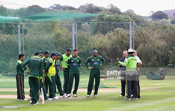 Pakistan players listen to Waqar Younis coach of Pakistan during Pakistan Nets Session at The Riverside on September 9 2010 in ChesterleStreet England