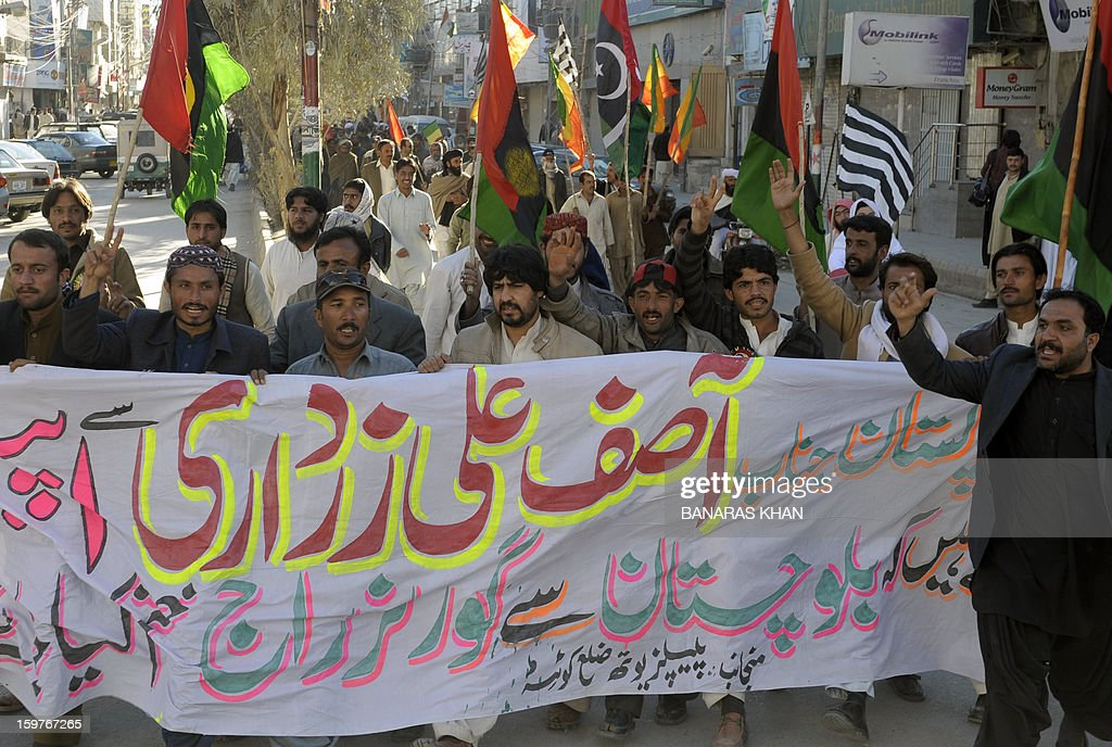 Pakistan political activists protest against governor rule and termination of the provincial government in Quetta, on January 20, 2013. Thousands of Shiite Muslims from Pakistan's minority Hazara community ended a nearly four-day protest January 14 after Islamabad acceded to their demands of sacking the provincial government and secure their lives. AFP PHOTO/ Banaras KHAN