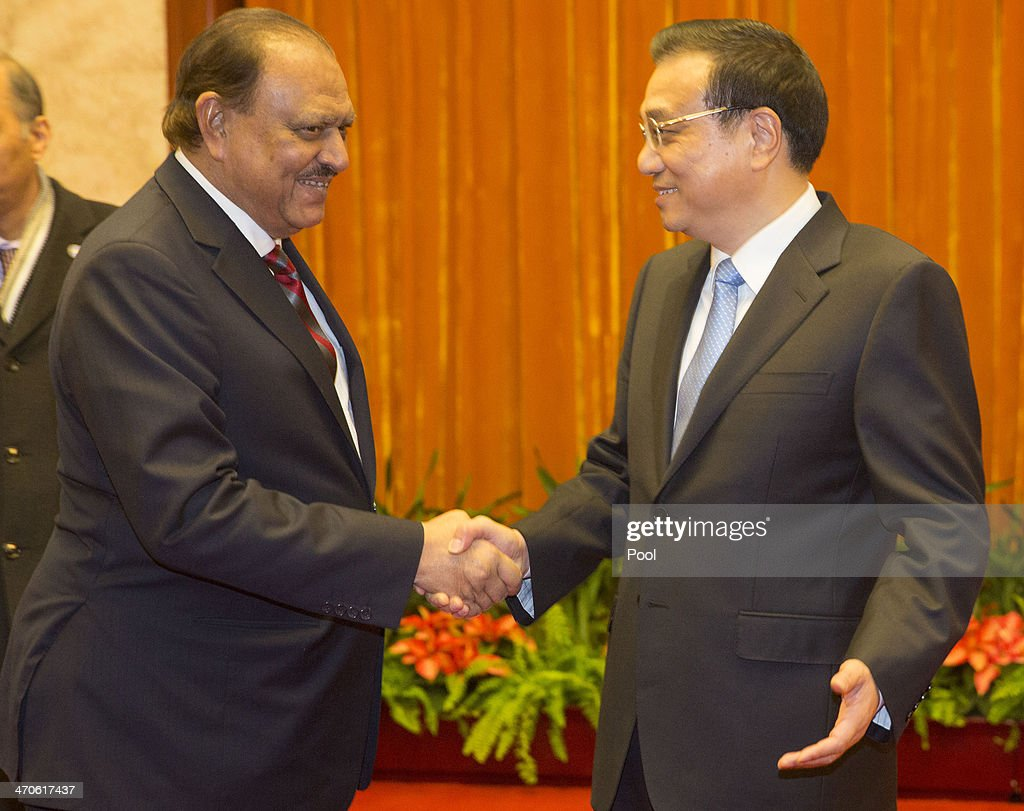 Pakistan President <a gi-track='captionPersonalityLinkClicked' href=/galleries/search?phrase=Mamnoon+Hussain&family=editorial&specificpeople=11183703 ng-click='$event.stopPropagation()'>Mamnoon Hussain</a> (L) meets with Chinese Premier <a gi-track='captionPersonalityLinkClicked' href=/galleries/search?phrase=Li+Keqiang&family=editorial&specificpeople=2481781 ng-click='$event.stopPropagation()'>Li Keqiang</a> at the Great Hall of the People on February 20, 2014 in Beijing, China. Hussain is on a four day visit to China to bolster bilateral ties including a range of agreements on economy and trade.