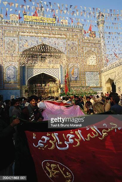 Pakistan, Sind, Sehwan-e Sharif, men at festival