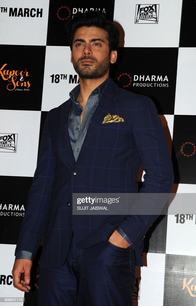 Pakistani actor Fawad Khan attends the trailer launch of upcoming Hindi film 'Kapoor & Sons' in Mumbai on February 10, 2016. AFP PHOTO / Sujit Jaiswal / AFP / SUJIT JAISWAL