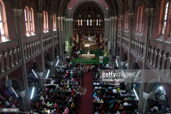 Pakistani Christians attend the Easter prayer ceremony in Sacred Heart Church on April 202014 in Lahore Pakistan Christians around the world...