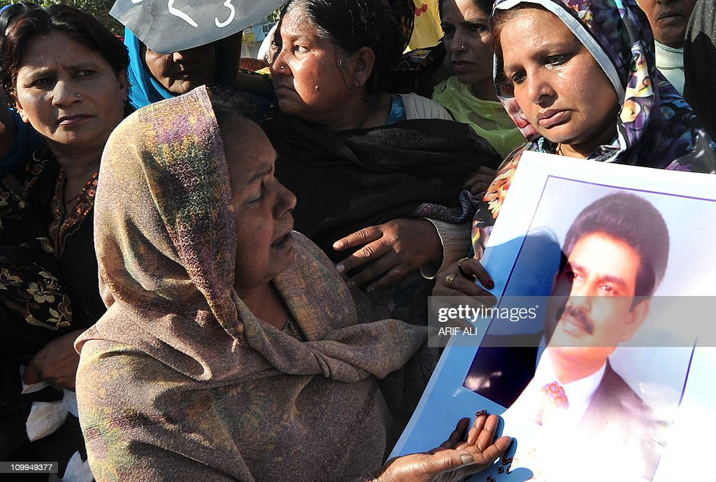 Pakistani Christians stage a protest against the killing of slain Pakistani minister for minorities Shahbaz Bhatti, in Lahore on March 11, 2011. Minority affairs minister Shahbaz Bhatti, an outspoken campaigner against Pakistan's Islamic blasphemy laws, died in a hail of bullets as he left his mother's home in the capital Islamabad on March 2. AFP PHOTO /ARIF ALI