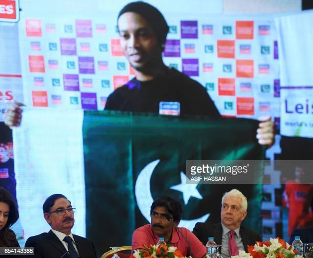Pakistani cricket legend Javed Miandad speaks during a press conference with representatives of the Leisure Leagues and athletes on March 16 2017 in...
