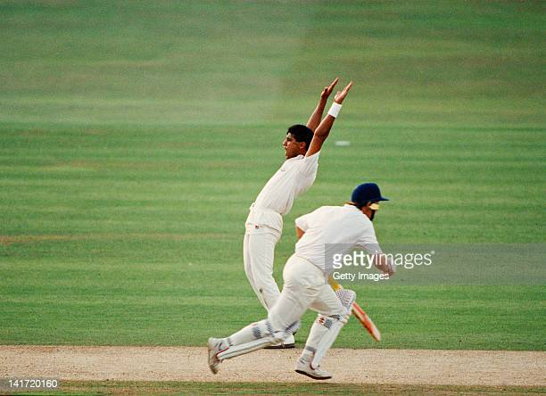 Pakistani cricketer Waqar Younis playing for Surrey CCC in the final of the NatWest Trophy against Hampshire at Lord's London 7th September 1991...