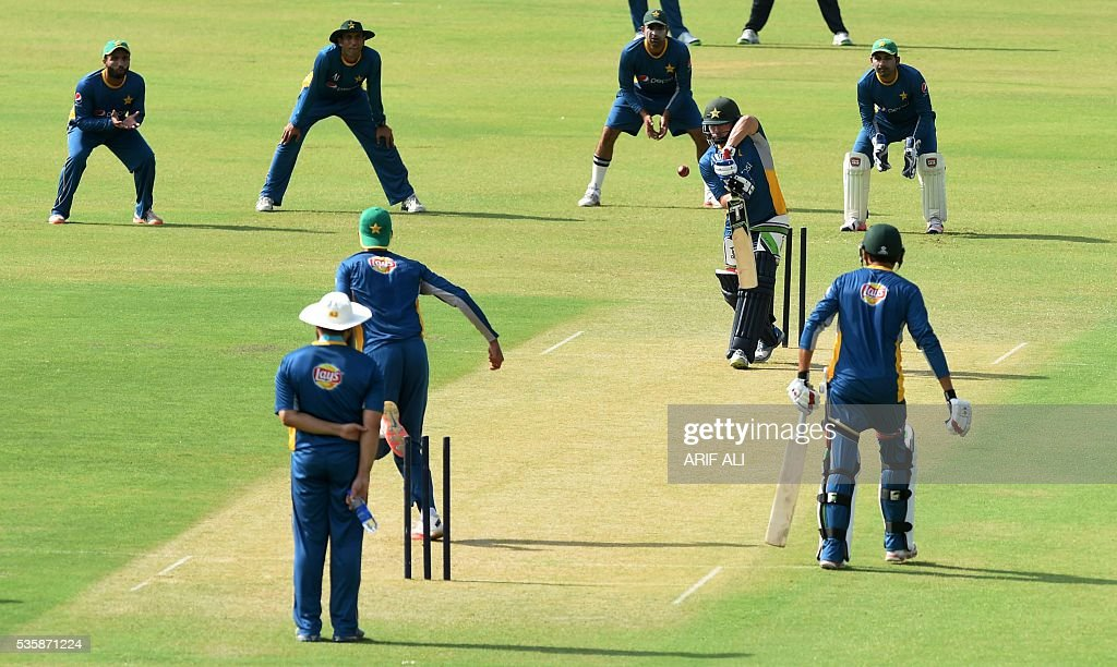 Pakistani cricketers take part in a training camp at the Gaddafi Cricket Stadium in Lahore on May 30, 2016. Pakistan will tour England from June 18 for four Tests, five one-day internationals and a lone Twenty20 international. / AFP / ARIF ALI