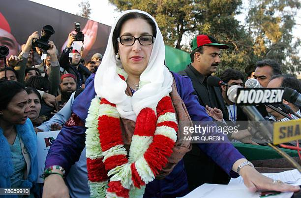 Pakistani former premier Benazir Bhutto arrived for an election compaign rally in Rawalpindi 27 December 2007 Pakistan opposition leader Benazir...