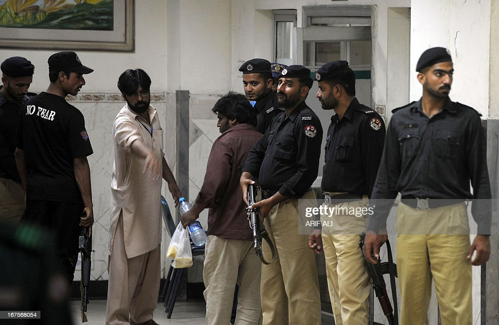 Pakistani policemen stand guard outside an emergency ward where an injured Indian spy Sarbajeet Singh was admitted following an attack at the Jinnah Hospital in Lahore on April 26, 2013. An Indian national facing the death penalty in Pakistan on espionage charges was rushed to hospital on Friday after suffering serious injuries in a clash with fellow prisoners, officials said. Singh was arrested following a bombing in the eastern Pakistani city of Lahore in the late 1990s in which 14 people were killed.