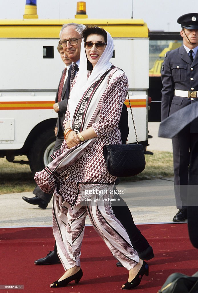 Pakistani politician Benazir Bhutto (1953 - 2007), circa 1989.