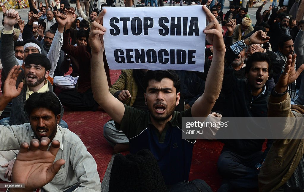 Pakistani Shiite Muslim shout slogans to protest against the bombing which killed 89 people, in Quetta on February 18, 2013. Thousands of Pakistani Shiites refused for a second day Monday to bury victims of a devastating bomb attack on their community, demanding protection against record levels of sectarian violence.