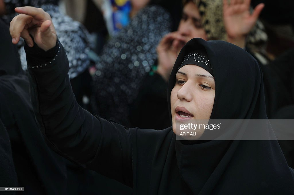 A Pakistani Shiite Muslim shouts slogans as they react against yesterday's bomb attack in Quetta, in Lahore on February 17, 2013. The death toll from a devastating bomb attack on Shiite Muslims in southwest Pakistan rose to 81 Sunday, as the community threatened protests if swift action was not taken against the killers. AFP PHOTO/Arif ALI