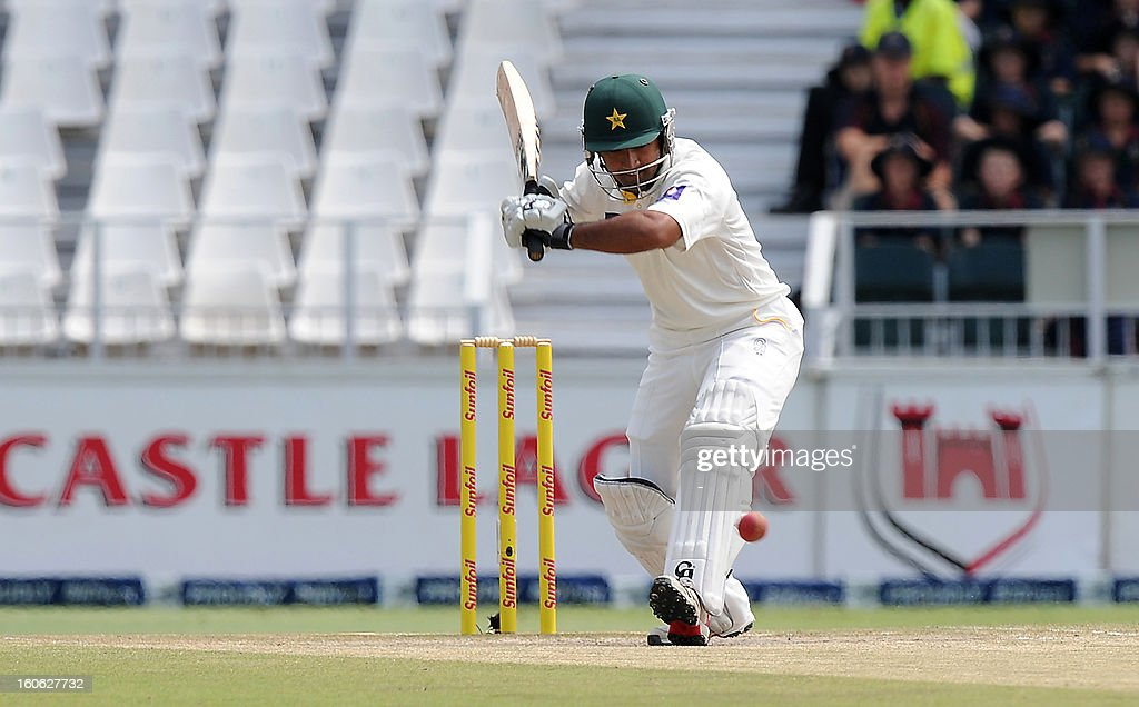 Pakistan's batsman Shafiq Asad plays a shot on day four of the first Test match between South Africa and Pakistan at Wanderers Stadium in Johannesburg on February 4, 2013. AFP PHOTO / Stringer1