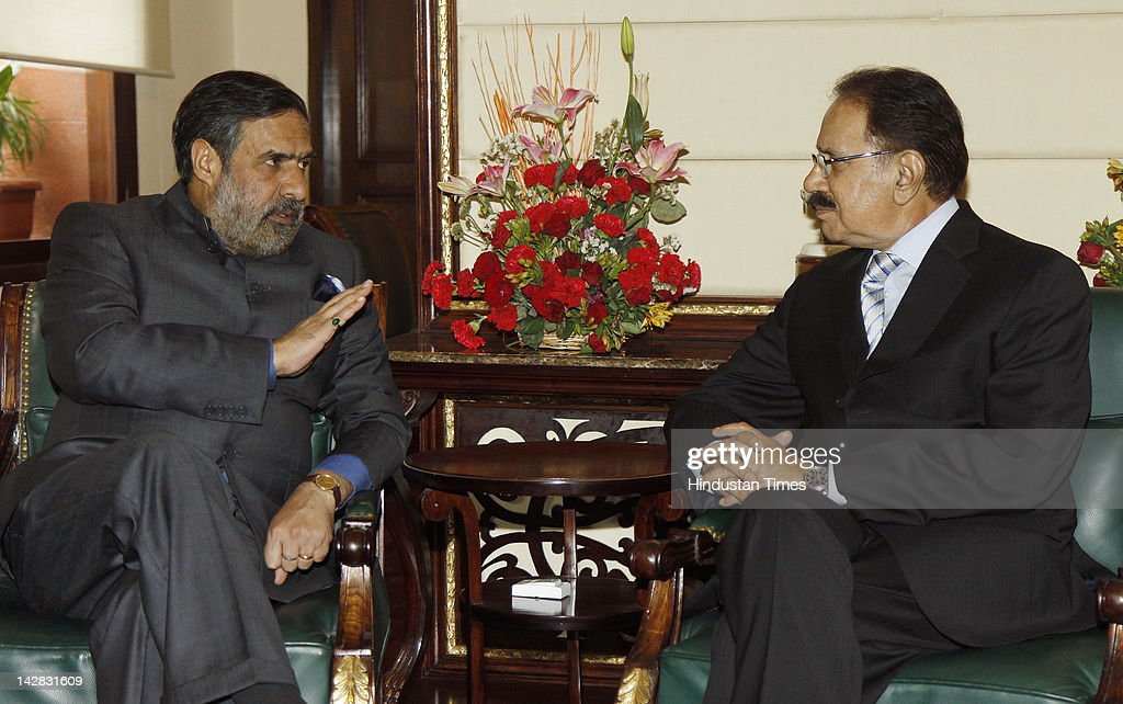 Pakistan's Commerce Minister Makhdoom Muhammad Amin Fahim (R) speaks with Indian Minister of Trade and Commerce Anand Sharma (L) during a joint press conference at Udhyog Bhavan on April 13, 2012 in New Delhi, India. India will allow Foreign Direct Investment (FDI) paving the way for industries from the neighboring countries to set up businesses in the growing Indian market.