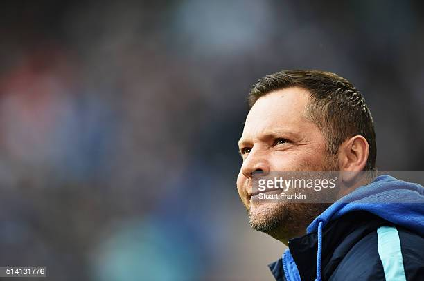 Pal Dardai head coach of Berlin looks on during the Bundesliga match between Hamburger SV and Hertha BSC at Volksparkstadion on March 6 2016 in...