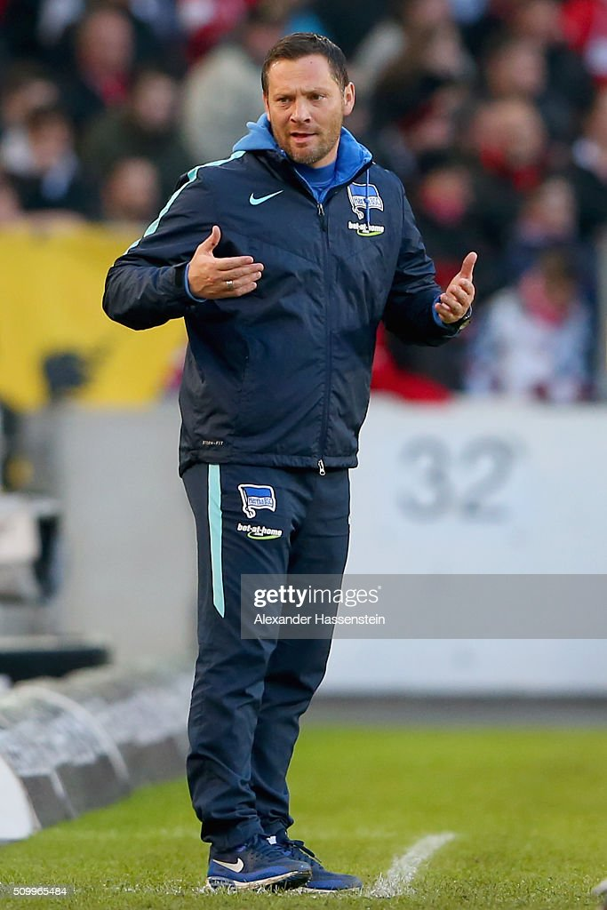 Pal Dardai, head coach of Hertha reacts during the Bundesliga match between VfB Stuttgart and Hertha BSC Berlin at Mercedes-Benz Arena on February 13, 2016 in Stuttgart, Germany.