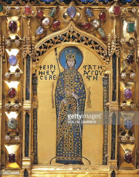 Pala d 39 oro golden pall altarpiece pictures getty images for Pala de oro