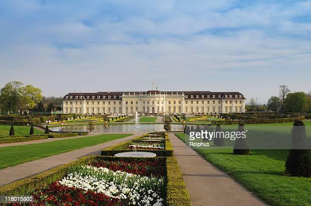 Schloss Ludwigsburg mit Frühling Garten Morgen