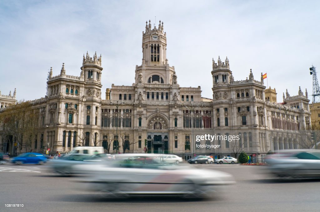Palacio de Comunicaciones  with Motion Blur of Traffic : Stock Photo