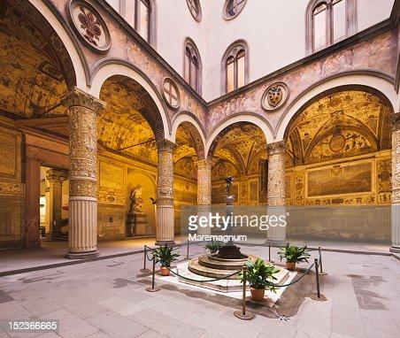 Palazzo Vecchio, first courtyard : Bildbanksbilder