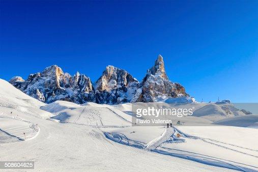 Pálido di San Martino Parque Natural no Inverno : Foto de stock