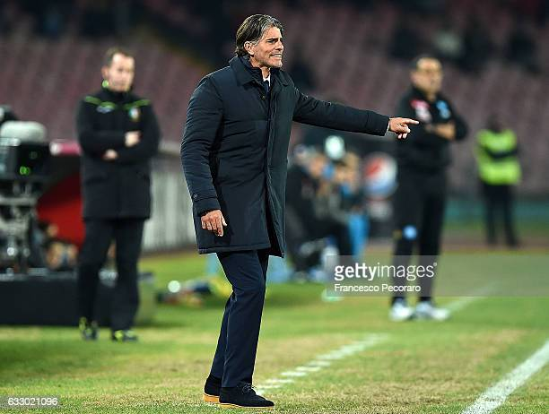 Palermos coach Diego Lopez gestures during the Serie A match between SSC Napoli and US Citta di Palermo at Stadio San Paolo on January 29 2017 in...