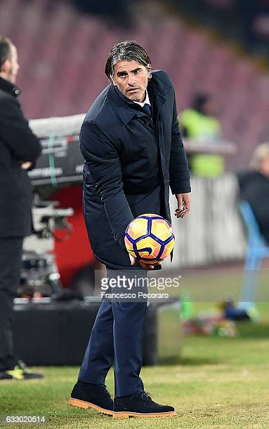 Palermos coach Diego Lopez looks on during the Serie A match between SSC Napoli and US Citta di Palermo at Stadio San Paolo on January 29 2017 in...