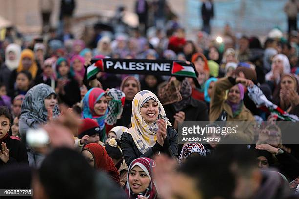 Palestinian arrive for a collective wedding ceremony in Gaza City on February 4 2014