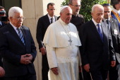 Palestinian President Mahmoud Abbas Pope Francis and Israeli President Shimon Peres gate in a monivan to reach the Vatican Garden for a meeting of...