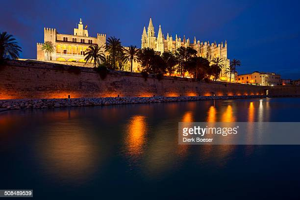 Palma Cathedral at dusk, Parc de la Mar, Palma de Mallorca, Majorca, Balearic Islands, Spain
