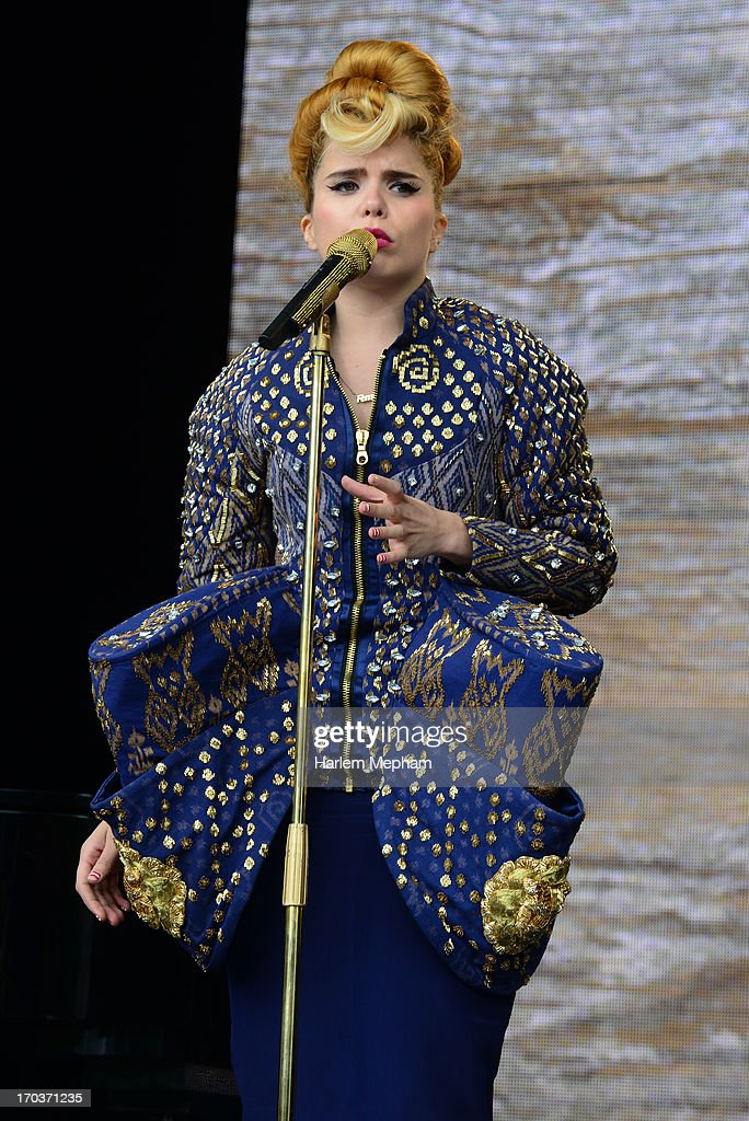 <a gi-track='captionPersonalityLinkClicked' href=/galleries/search?phrase=Paloma+Faith&family=editorial&specificpeople=4214118 ng-click='$event.stopPropagation()'>Paloma Faith</a> performs at the Tate Modern on June 12, 2013 in London, England.