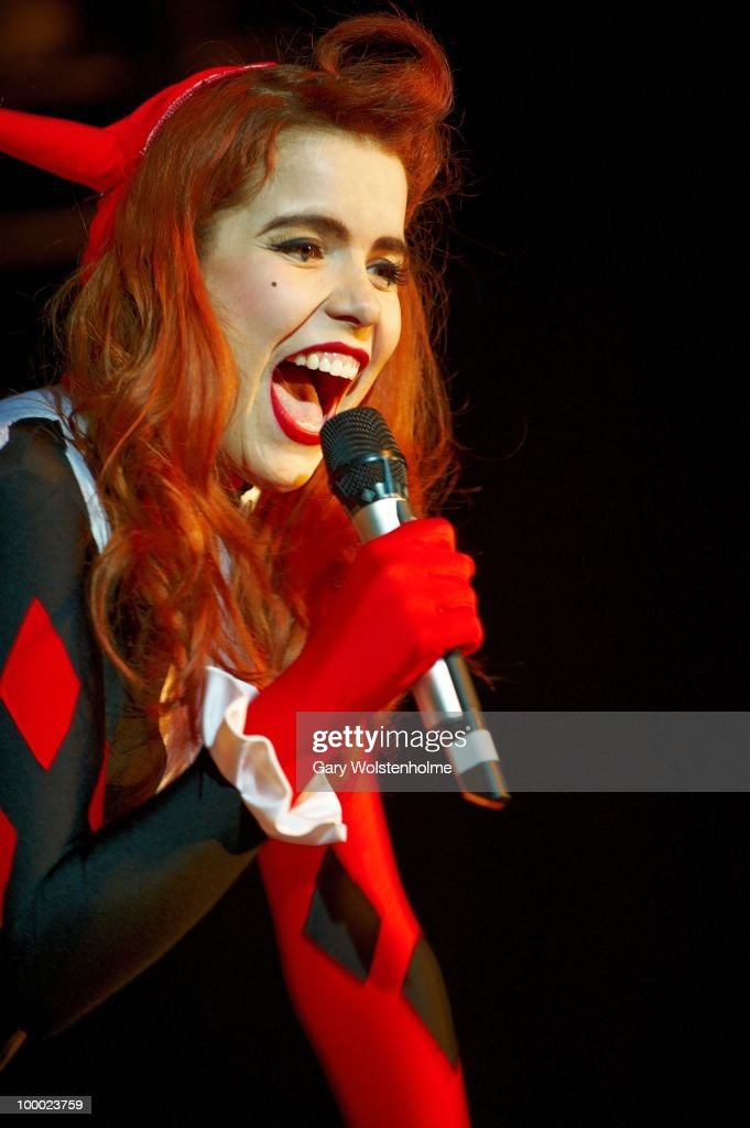 Paloma Faith performs on stage at the O2 Academy on May 20, 2010 in Sheffield, England.