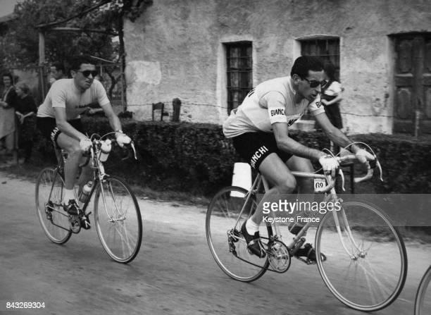 Pambianco et Coppi durant la 4e étape du Giro en Italie le 21 mai 1958