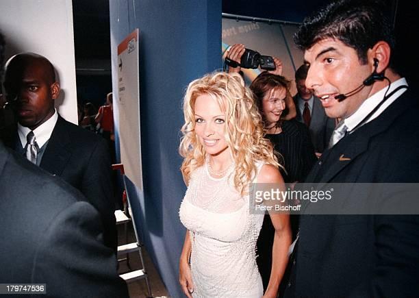 Pamela Anderson Ahmad Mohammed SAT1Pressekonferenz Berlin Deutschland Europa