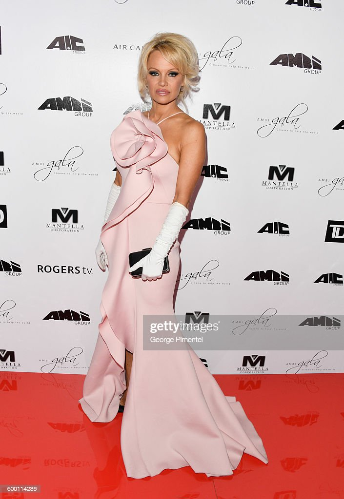pamela-anderson-attends-the-2016-toronto-international-film-festival-picture-id600114236