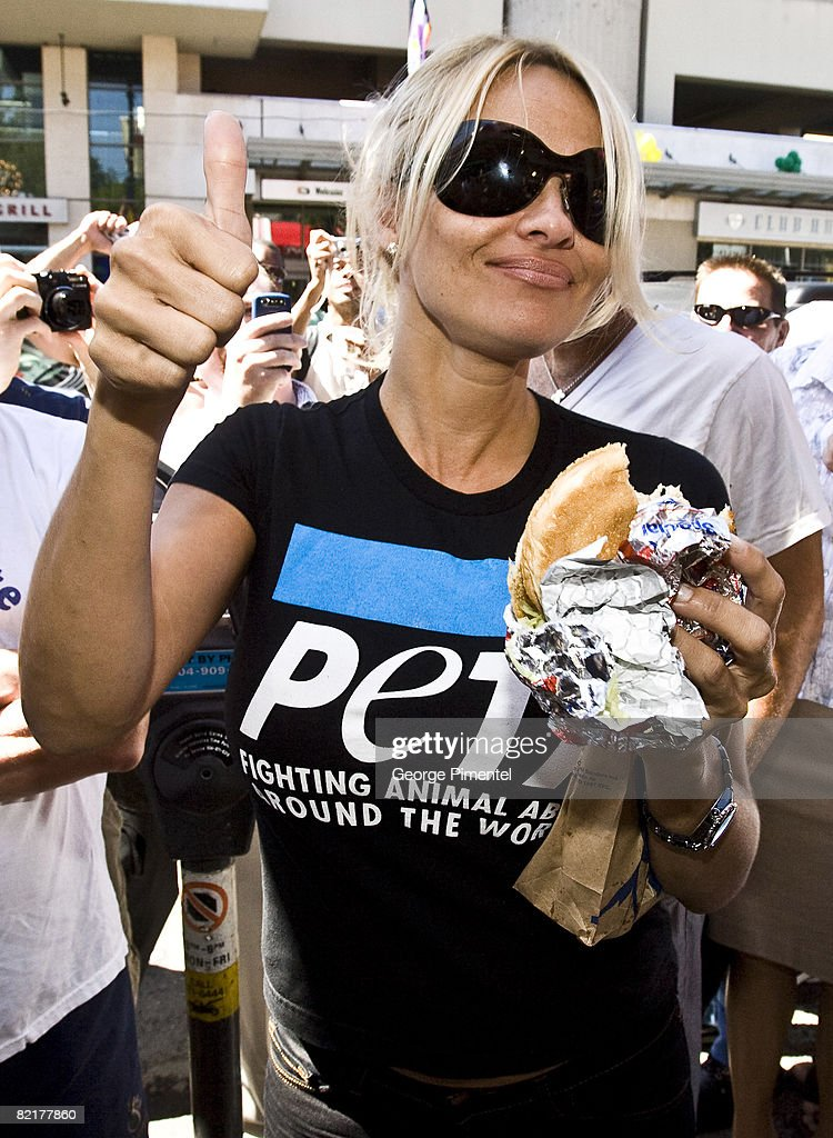 Pamela Anderson Does Lunch At KFC For The New Faux Chicken Sandwich on August 4 2008 in Vancouver BC