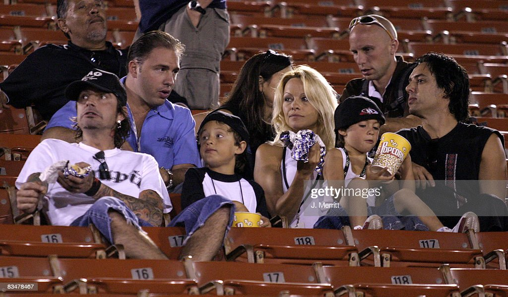 Pamela Anderson, Tommy Lee and family at the X Games - Moto X Freestlye