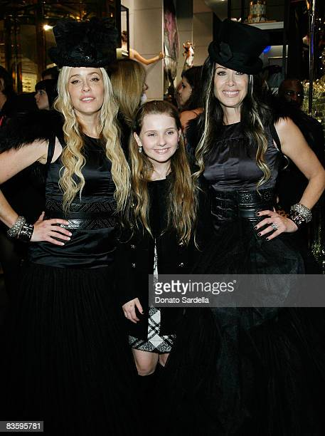 Pamela Skaist Levy actress Abigail Breslin and Gela NashTaylor attend the Juicy Couture New York Boutique Opening on November 6 2008 in New York City...