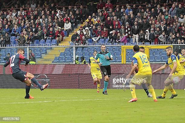 Panagiotis Tachtsidis of Genoa CFC scores a goal during the Serie A match between Genoa CFC and AC Chievo Verona at Stadio Luigi Ferraris on October...