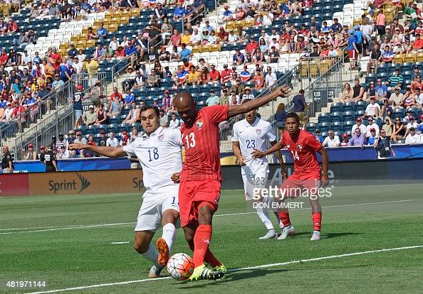 Panama's Adolfo Machado stops a pass to US player Chris Wondolowski during the 2015 CONCACAF Gold Cup third place match between the USA and Panama...