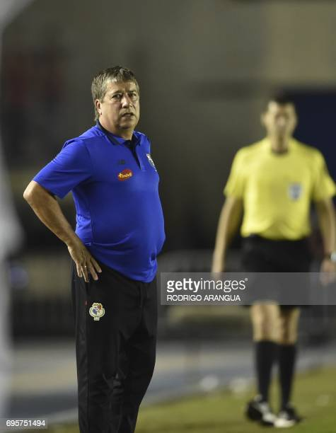 Panama's coach Colombian Hernan Dario Gomez looks on during a FIFA World Cup Russia 2018 Concacaf qualifier match against Honduras in Panama City on...