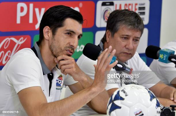 Panamas coach Hernan Dario and the national football team goalkeeper Jaime Penedo take part in a press conference at the National Stadium in San Jose...