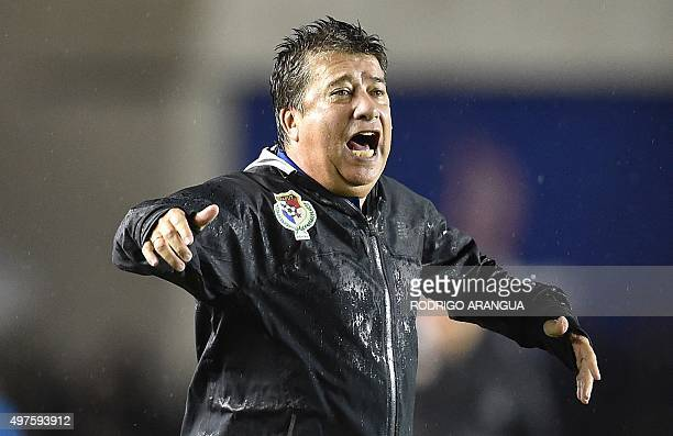 Panama's coach Hernan Dario Gomez gestures during the Russia 2018 FIFA World Cup Concacaf Qualifiers football match against Costa Rica in Panama City...