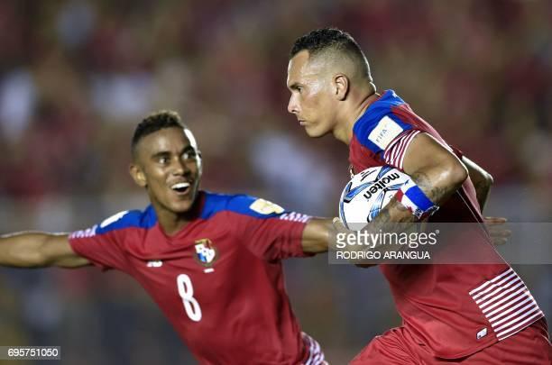 Panama's forward Blas Perez celebrates with teammate Edgar Barcenas after scoring against Honduras during a FIFA World Cup Russia 2018 Concacaf...