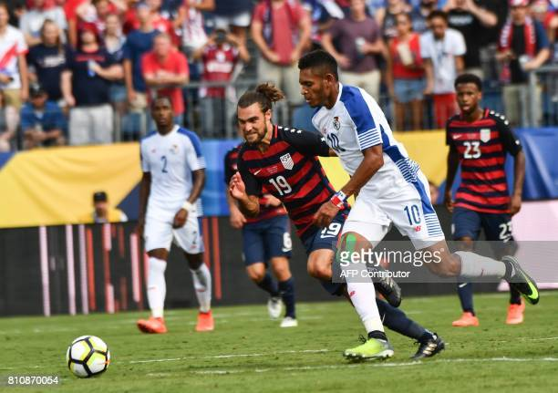 Panama's Ismael Diaz vies with Graham Zusi of the US during a Concacaf Gold Cup Group B match in Nashville Tennessee on July 8 2017 / AFP PHOTO /...