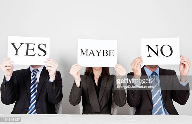 Panel de juges avec différentes opinions