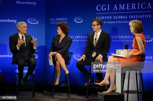 Panelists from left to right Robert Rubin CoChairman Council of Foreign Relations former Secretary of the Treasury and Jacqueline Hinman President...